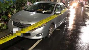 新莊7旬男陳屍車上!警破窗驚見副駕駛座有「嘔吐物、感冒藥」