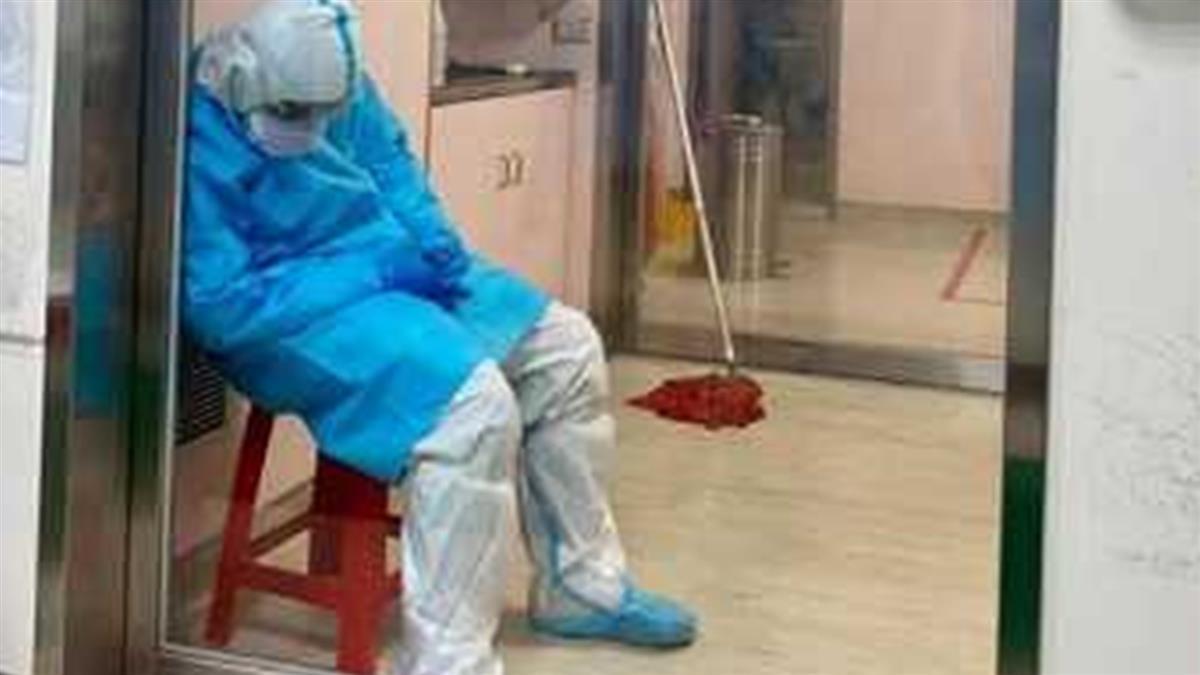 消毒一次要100分鐘累癱 清潔員穿兔寶寶裝「沉睡病房」