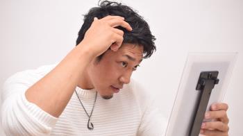 甩開臭頭只能用很香的洗髮精?超夯頭皮保險讓你防疫期間不NG
