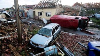 最強龍捲風肆虐!捷克7城鎮毀了死傷多 蔡英文:台灣願助重建