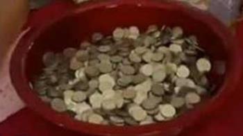 參加喜宴禮金給3000硬幣 「滿滿一盆零錢」:跑了4家銀行才換到