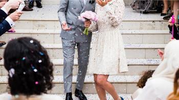 婚禮會場「新郎攤椅斷氣」新娘崩潰狂喊...喚不回尪