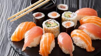 偏頭痛好嚴重!吃壽司竟能避免「越揉越痛」