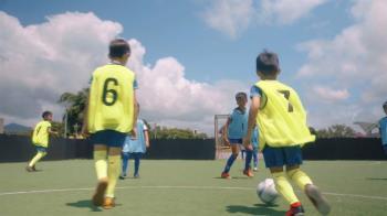 迷你足球微電影:踢出自己的價值 足球是種文化改變孩子很多