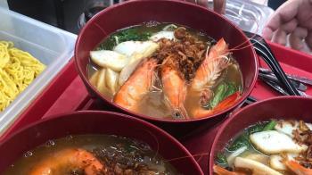 麵快吃完「蝦子沒剝殼」要求退錢 餐廳酸奧客:本月笑話冠軍