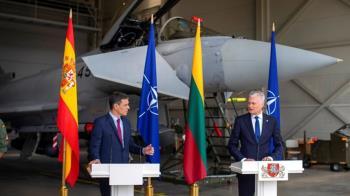 立陶宛總統記者會一半警報響 背後2戰機急升空