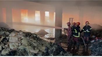 大門上鎖只能跳窗!孟加拉飲料廠大火 至少52人死亡