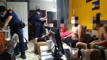 高雄9男女半裸嗨玩「全部無罩」鄰居怒檢舉...270萬飛了