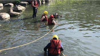 高雄男與女友吵架「停車假裝墜河」下秒滑倒溺斃