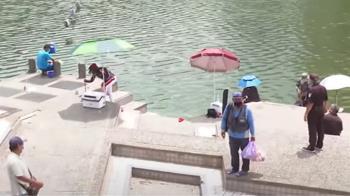 碧潭景區假日釣客、遊客漸增 戶外休閒仍不忘防疫