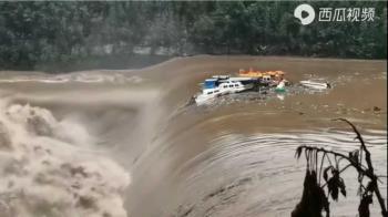 40年來最恐怖!四川突下大暴雨 洪水吞噬房屋