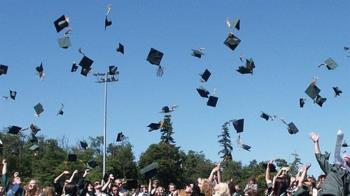 高中免試入學17.7萬個名額 各就學區上午11時放榜