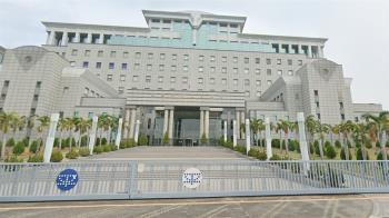 台南逆子8凶器弒母 重判18年+監護5年