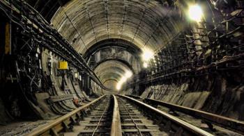 家中地下室驚見神祕洞穴「內有9M鐵軌」 恐怖影片曝光