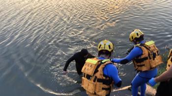 台中烏溪1男子溺水 警消拉上岸已明顯死亡
