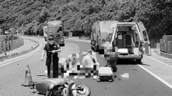 快訊/台2線機車撞垃圾車 26歲女騎士當場慘死