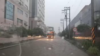 快訊/雨彈往北衝!13縣市豪、大雨特報 這2地防大雷雨