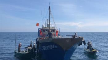 陸船越界干擾作業  海巡一舉查扣母子船4艘