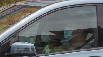 陳時中:即起開放車內飲食 非同住者仍要戴口罩