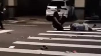 獨/閃燈路口疑超速酒駕 外送員遭撞飛險沒命