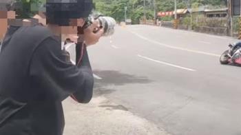 拍重機車友「過彎耍帥」 追焦手遭警開罰違規