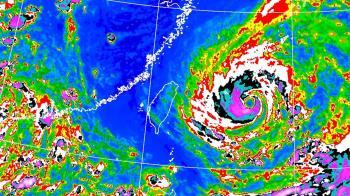 烟花晚間發海警!暴風圈持續擴大 北北基豪雨炸5天