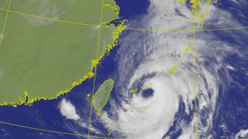 烟花結構圓又好!風雨最大的時間出爐 氣象專家:沒來台灣真好