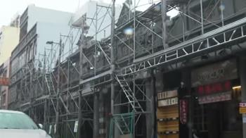 大溪老街間歇性降雨 店家因疫情、颱風多數停業