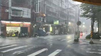 烟花颱風11:30解除海警 12縣市豪、大雨特報