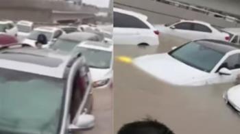 鄭州暴雨狂襲!他沿路拍車窗喊「快下來」 下秒洪水灌頂