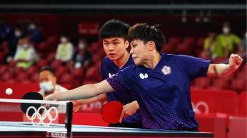 桌球黃金混雙不敵日本 鄭怡靜、林昀儒26日爭銅牌