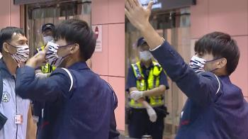 東奧英雄返台!楊勇緯「狂獻3飛吻」 羅嘉翎183cm最萌身高差