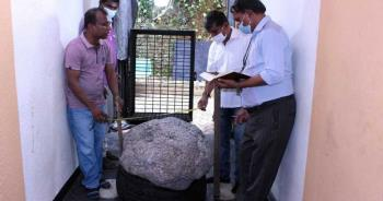 世界最大!後院挖出250萬克拉「藍寶石奇緣」 價值高達28億