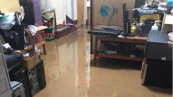 快訊/雨彈開炸整晚!彰化2民宅遭泥流灌入 慘淹成黃河
