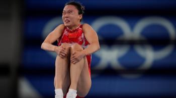 中國女子體操包辦金銀牌 奧運官方「曬醜照」被圍剿:辱華!