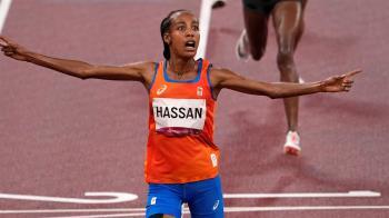 荷蘭長跑女將哈山「預賽跌倒翻一圈」女子5000公尺決賽摘金