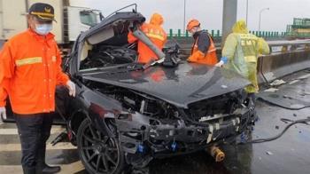 台88大雨進口車衝撞匝道護欄 女駕駛慘死