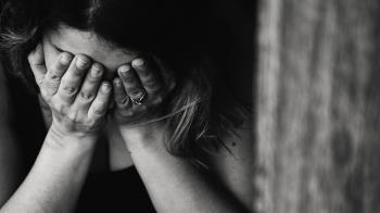 私吞聘金害女兒被霸凌 親媽怒斥:我花點錢怎麼了?