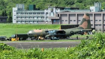 漢光37號演習 幻象2000掛載電戰莢艙降落佳山基地