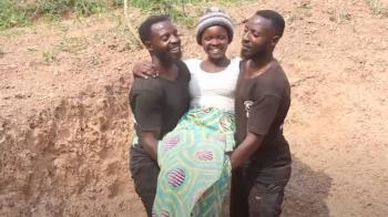 和雙胞胎每天輪流睡覺 人妻開心宣布懷孕