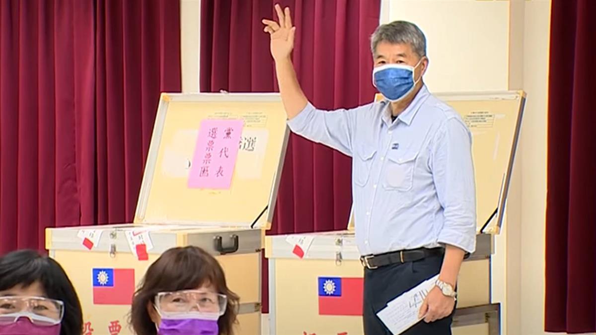 國民黨主席改選 候選人上午各自完成投票