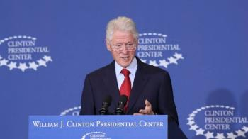 美國前總統柯林頓驚傳住院 發言人鬆口回應了