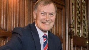 英國議員教堂會晤選民 身中多刀傷重搶救中