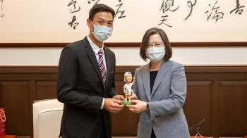 盧彥勳邀蔡英文打網球 坦言:可能比跟球王比賽還緊張