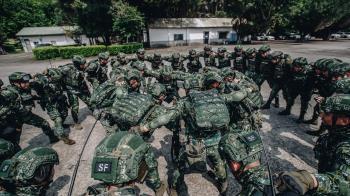 華爾街日報:台灣戰備不足、役男士氣低落