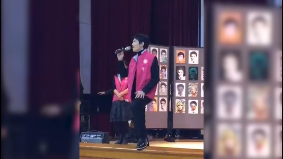 蕭敬騰回母校引暴動 現場清唱同學賺翻