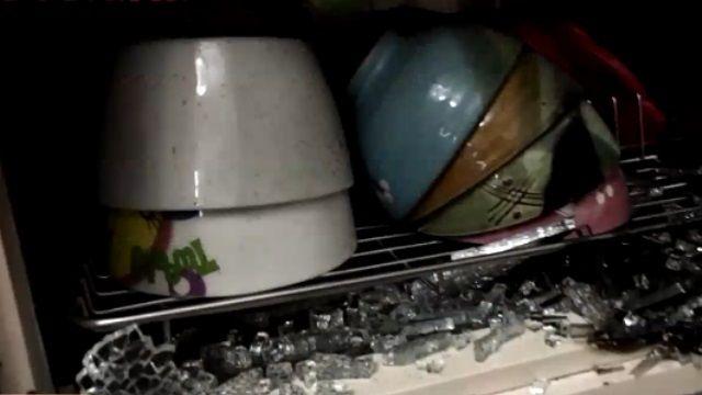 烘碗機自燃成火球 民眾聞燒焦味急滅火