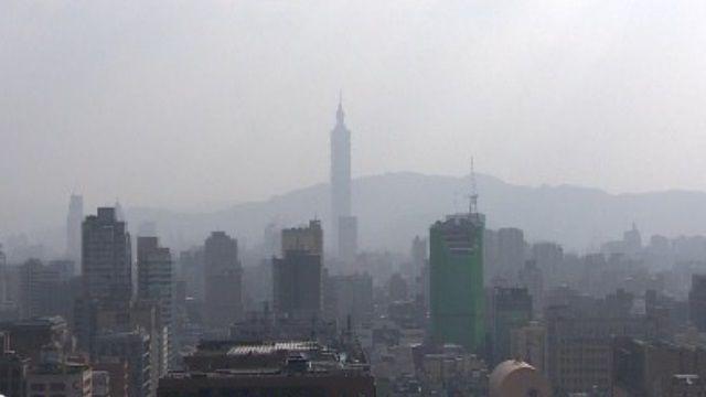 救空汙!PM2.5太濃 擬禁汽機車上路