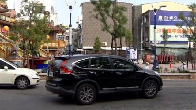 廟前廣場停車遭收費 交局:沒申請已觸法