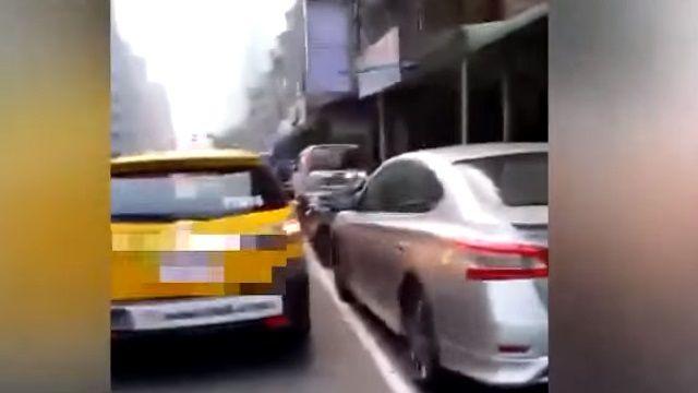 違規遭舉發 駕駛嗆「特別等你開單啦」